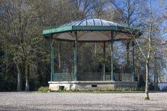 Palco dell'orchestra in giardini pubblici, St Omer, Francia immagine stock libera da diritti