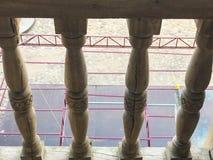 Palcon de madera hermoso de la barandilla hecho a mano Los antecedentes Textura foto de archivo