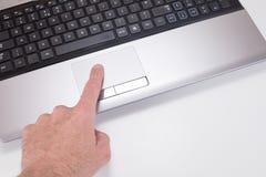 Palcowa naciskowa laptop mysz tropi ochraniacza zdjęcie stock