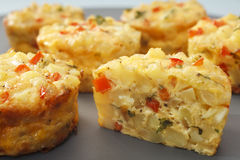 palcowego jedzenia frittata mini zdjęcie stock
