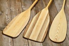 Pale di legno della canoa fotografia stock