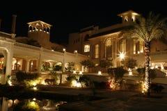 Paleis in Egypte bij nacht Royalty-vrije Stock Afbeeldingen