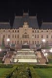 Paleis van Cultuur in Iasi (Roemenië) bij nacht royalty-vrije stock afbeelding