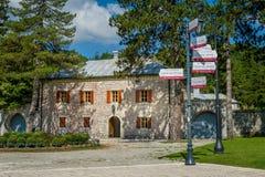 Paleis van Petrus II Romanus Cetinje toeristisch centrum royalty-vrije stock afbeelding