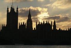Paleis van Westminster bij schemer, Londen, het UK Stock Afbeelding