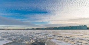Paleisdijk, de Winterpaleis & x28; Hermitage& x29; Stock Foto's