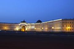 Paleisvierkant en Alexander Column in St. Petersburg bij nigh Royalty-vrije Stock Foto