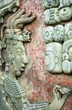 PALENQUE, MEXICO, 15 DECEMBER, 2015: Mayan mensenbeeld en Mayan w Royalty-vrije Stock Fotografie