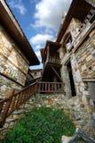 从Paleo Panteleimonas希腊的石大厦建筑学 免版税库存图片