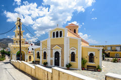 Paleochora镇的传统希腊教会在克利特海岛上 免版税图库摄影