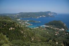 paleokastrica för kustcorfu greece ö arkivfoton