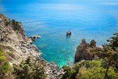 从Paleokastritsa,科孚岛的宏伟的视图 免版税图库摄影