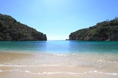 Paleokastritsa strand av den Corfu ön Royaltyfri Bild