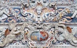 Palerme - détail de soulagement baroque d'autel latéral de St Joseph dans l'église San Domenico Images stock
