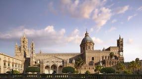 Palermo domkyrka av antagandet av oskulden Mary fotografering för bildbyråer