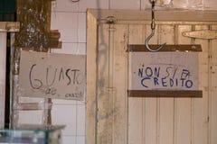 PALERMO, ITÁLIA - 14 de outubro de 2009: Peixes frescos, marisco, vegetabl Fotos de Stock Royalty Free