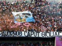 PALERMO, ITALIA - 9 de noviembre de 2013 - di Palermo de los E.E.U.U. Citta contra Trapan Calcio - Serie B Fotografía de archivo libre de regalías
