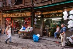 PALERMO, ITALIA - 14 de octubre de 2009: Pescados frescos, mariscos, vegetabl Imágenes de archivo libres de regalías