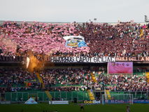 PALERMO ITALIEN - November 9, 2013 - di Palermo för USA Citta vs Trapani Calcio - Serie B Royaltyfri Bild