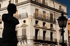 PALERMO ITALIEN - Oktober 13, 2009: Marmorstaty av piazza Preto Royaltyfria Foton
