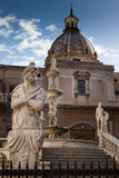 PALERMO ITALIEN - Oktober 13, 2009: Marmorstaty av piazza Preto Royaltyfri Foto