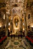 PALERMO ITALIEN - Oktober 14, 2009: Presbyterium av den Romanic kyrkan Royaltyfri Bild