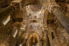 PALERMO ITALIEN - Oktober 14, 2009: Presbyterium av den Romanic kyrkan Royaltyfri Foto
