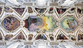 Palermo - modern freskomålning av den sista domen på tak av den kyrkliga Lachiesaen del Gesu Arkivbilder