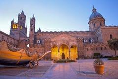 Palermo - södra portal av domkyrkan eller duomoen Arkivbild