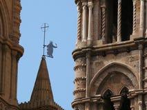 Palermo, Sizilien, Italien 11/04/2010 Details der Kathedrale Seien Sie stockfotos
