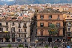PALERMO, WŁOCHY †'03 2017 Styczeń: Od dachu Palermo katedra ty możesz widzieć zadziwiającego pejzaż miejskiego Palermo sicily Obraz Royalty Free