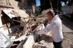 Palestijns Huis dat in Oost-Jeruzalem wordt vernietigd Stock Foto's