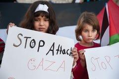 Palestinsk protest mot Gaza attack arkivfoton