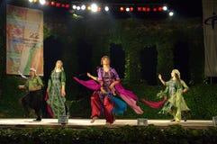 Palestyński tradycyjny taniec przy plenerową sceną Zdjęcia Royalty Free
