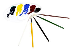 Palet met kleuren en borstels Royalty-vrije Stock Afbeeldingen