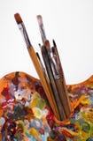 Palet met penselen Royalty-vrije Stock Afbeeldingen