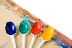 Palet op kleurrijke tablet stock afbeeldingen