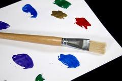 Paleta colorida da pintura no fundo preto Imagem de Stock Royalty Free