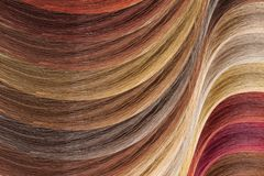 Paleta de colores del pelo como fondo Muestras teñidas imágenes de archivo libres de regalías