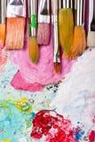 Paleta de cor com muitos escovas Fotos de Stock
