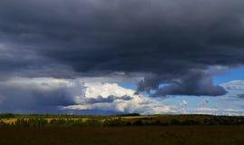 Paleta de diversas nubes fotografía de archivo libre de regalías