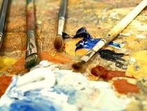 Paleta de madera con colores Fotos de archivo libres de regalías