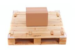 Paleta de madera del envío Foto de archivo