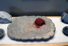 Paleta de pedra com ocre vermelho Fotografia de Stock