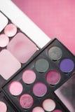 Paleta de sombras e do pó cor-de-rosa Fotos de Stock
