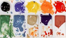 Paleta z barwić farbami dla rysować obraz stock