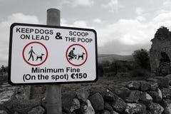 Paletta della campagna il segno di poop Fotografia Stock