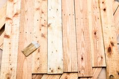 Palette et brosse en bois Images stock