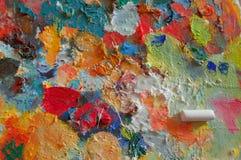 Palette mit Farbenanschlägen Stockfoto
