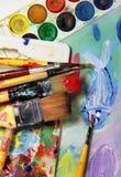 Palette, photo et mélange d'art des pinceaux Photo stock